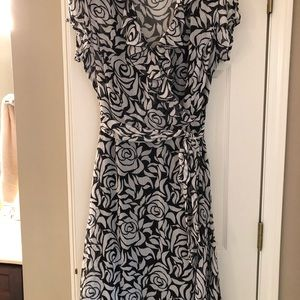 Women's black and white dress size 16